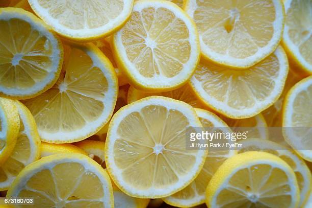 Full Frame Shot Of Lemon Slices