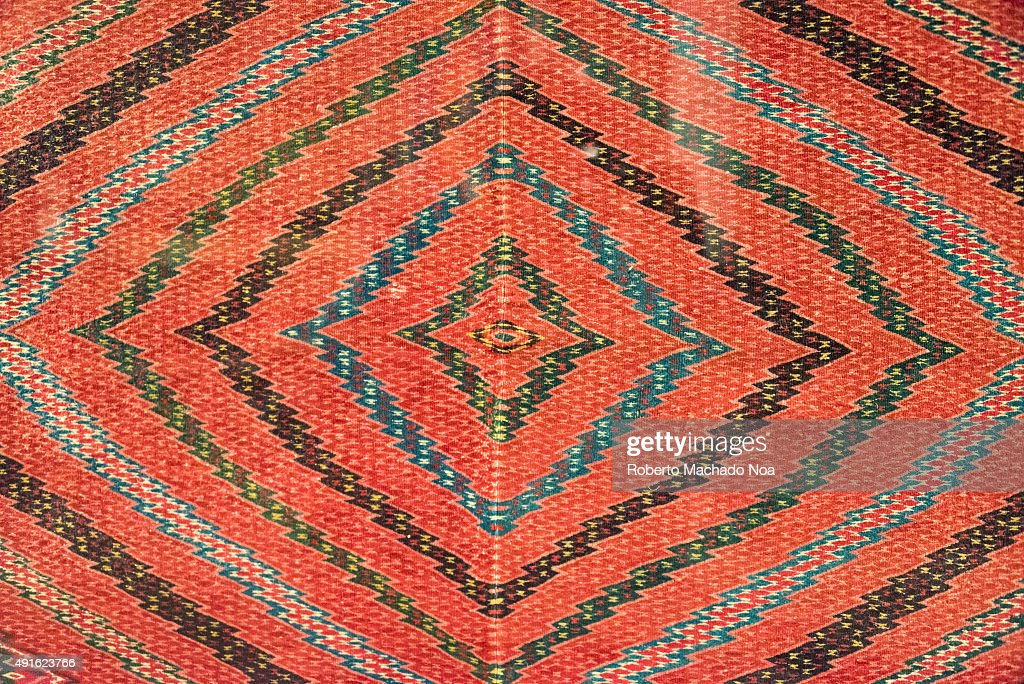 Full frame shot of Mexican native art pattern on a cloth. Pictures ...