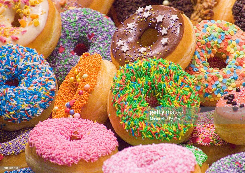 Full Frame Shot Of Multi Colored Donuts : Stock Photo