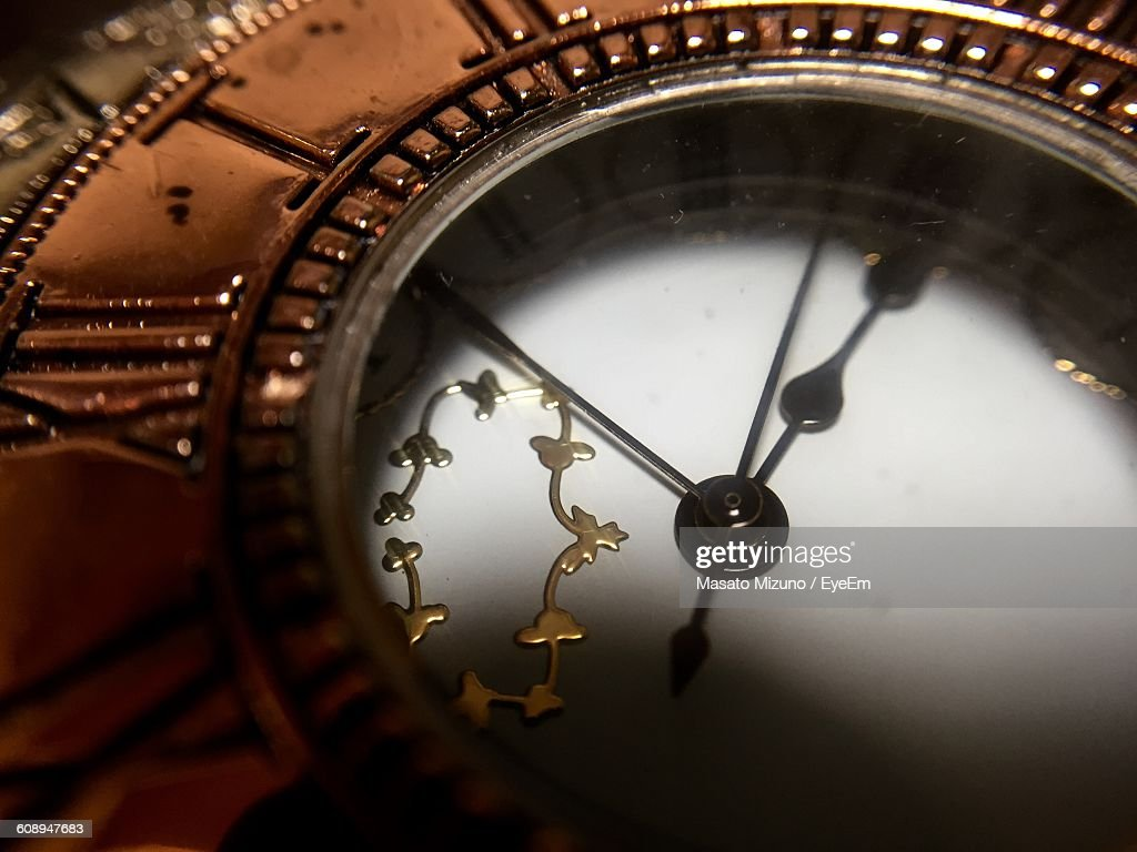 Full Frame Shot Of Old-Fashioned Clock : Stock Photo