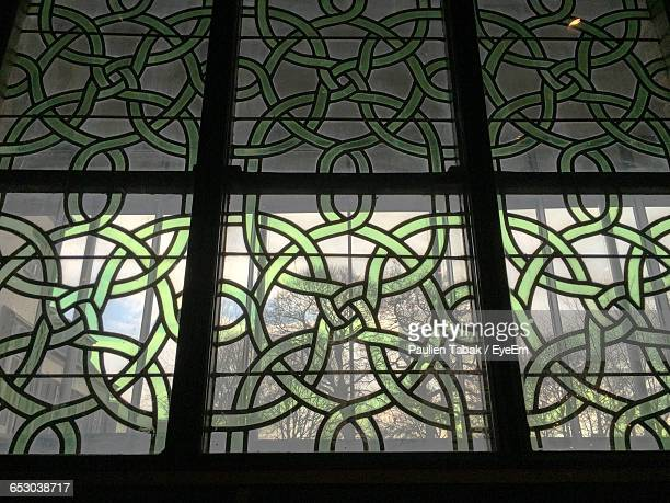 full frame shot of pattern on glass window - paulien tabak stock pictures, royalty-free photos & images