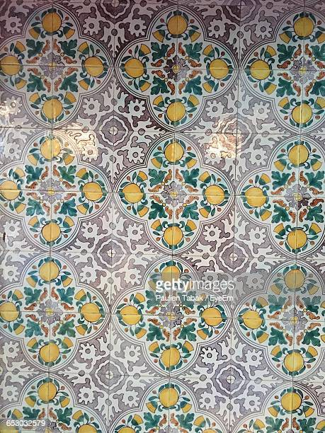 full frame shot of patterned tiled floor - paulien tabak stock pictures, royalty-free photos & images