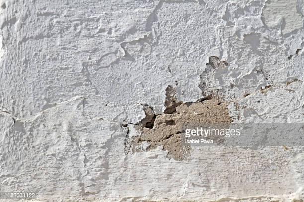 full frame shot of peeled wall - sten konstruktionsmaterial bildbanksfoton och bilder