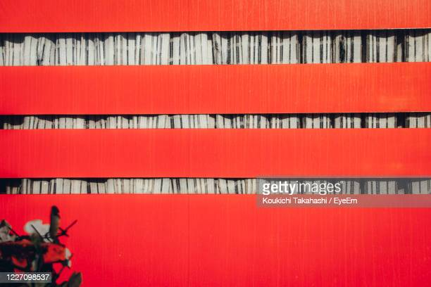 full frame shot of red wall - koukichi stock pictures, royalty-free photos & images