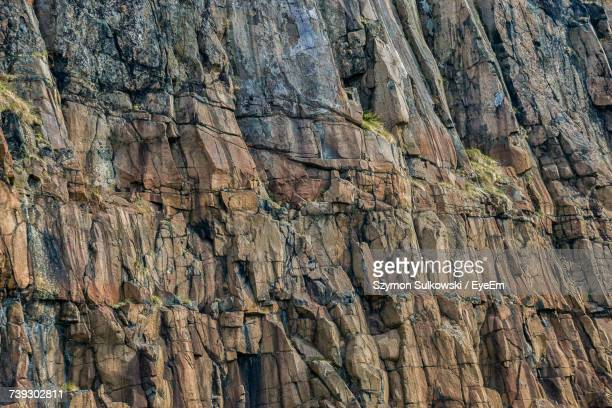 full frame shot of rock - rock wall stock pictures, royalty-free photos & images