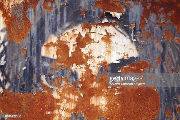 full frame shot of rusty metal - anuwat somhan stock photos and pictures