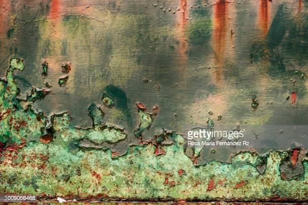 full frame shot of rusty sheet metal. - rust colored fotografías e imágenes de stock