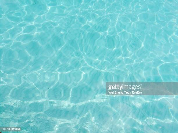 full frame shot of swimming pool - water stockfoto's en -beelden