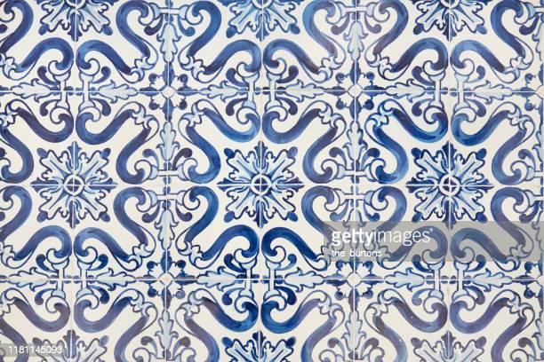 full frame shot of traditionell tiled wall in portugal - suelo embaldosado fotografías e imágenes de stock