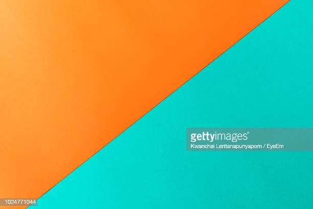 full frame shot of two tone background - imagem a cores imagens e fotografias de stock