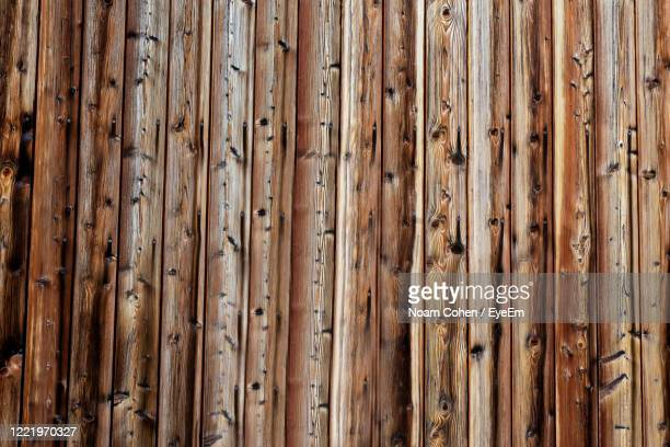 full frame shot of wooden wall - noam cohen stock pictures, royalty-free photos & images