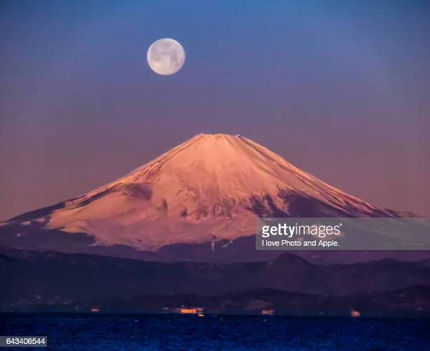 Full moon and Fuji in the morning