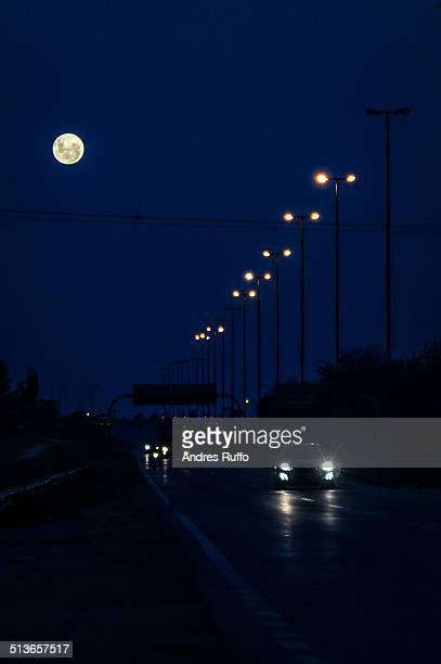 full moon in february 2013 - cordoba argentina fotografías e imágenes de stock