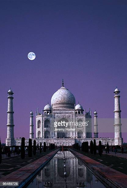full moon over taj mahal, agra, india - agra stock pictures, royalty-free photos & images
