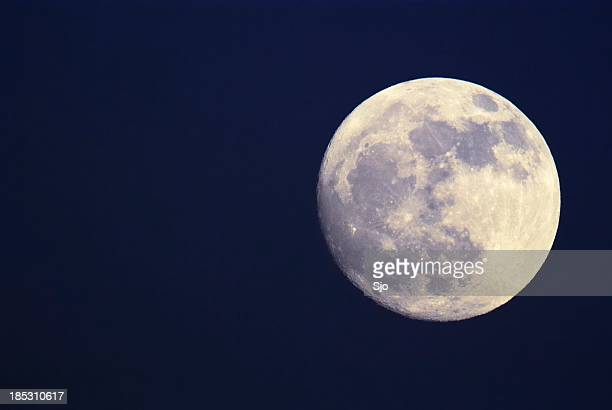 pleine moon - pleine lune photos et images de collection
