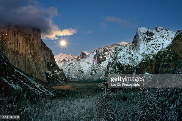 full moon tunnel view - yosemite valley stock photos and pictures