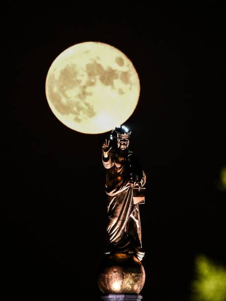 ITA: Full Moon With The Madonnina Of The Strait Of Messina