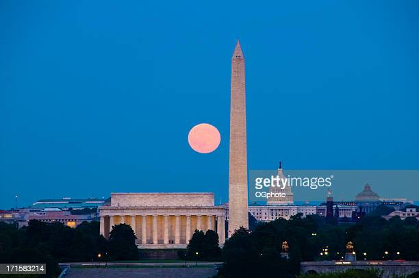 pleine lune avec les monuments de washington, d.c. - ogphoto photos et images de collection
