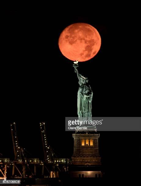 Full Moonset
