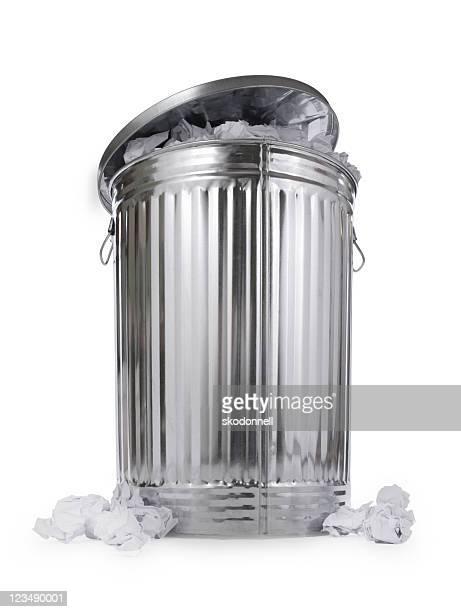 Completo del recipiente para la basura
