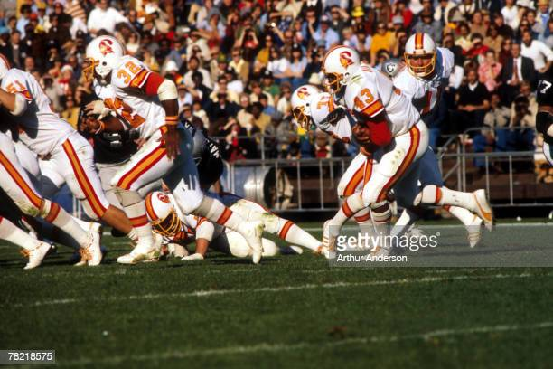 Fullback Ben Williams follows running back Louis Carter after taking the hand off from quarterback Steve Spurrier of the Tampa Bay Buccaneers in a 16...