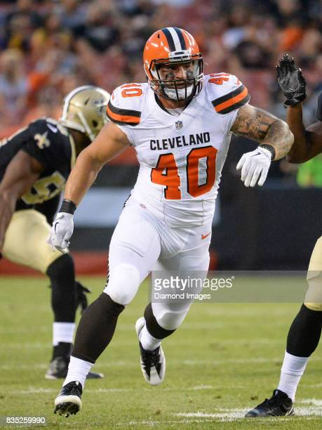 Fullback Danny Vitale of the Cleveland Browns runs downfield on punt coverage in the first quarter of a preseason game on August 10, 2017 against the...