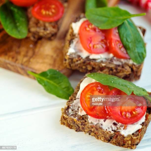 アーモンド クリーム チーズ glutenfree も全粒パンします。