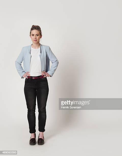 full-length portrait of a young woman - blazer chaqueta fotografías e imágenes de stock
