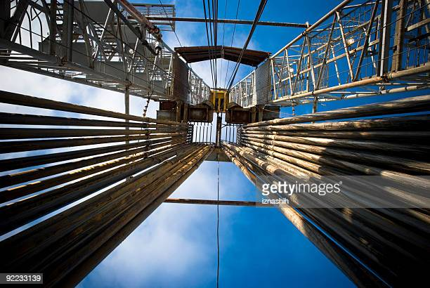 fully loaded drilling rig - drill stock pictures, royalty-free photos & images