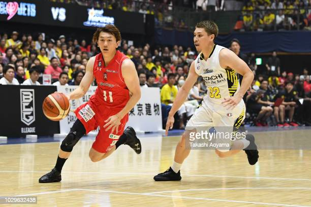 Fumio Nishimura of the Chiba Jets drives to the basket during the B.League Early Cup Kanto 3rd Place Game between Chiba Jets and Sun Rockers Shibuya...