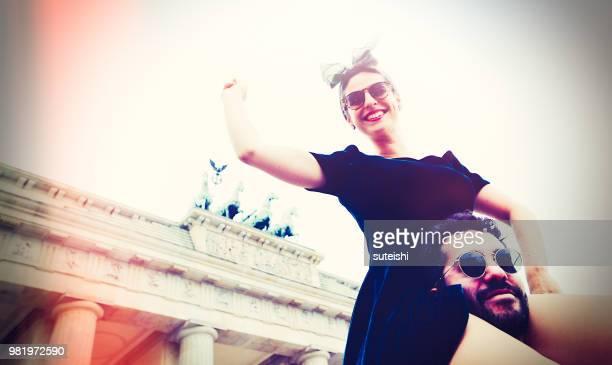 Spaß am Brandenburger Tor in Berlin