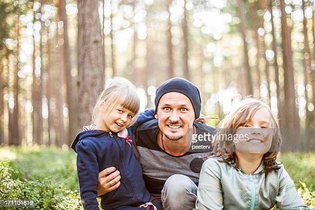 fun in the forest. - noord europa stockfoto's en -beelden