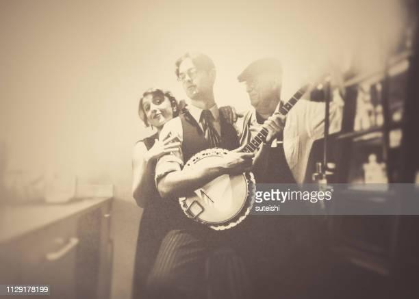 Plezier met de banjo-speler in de bar!