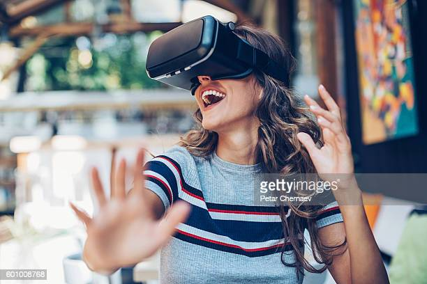 fun with virtual reality headset - stereoscopic images stock photos and pictures