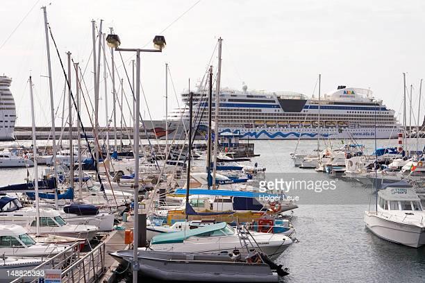 Funchal marina and cruiseship AIDAbella.