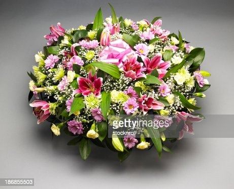 345 Flowers Arrangements For Funerals Photos And Premium High Res Pictures Getty Images
