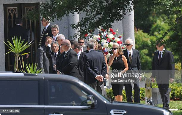 Funeral for George Steinbrenner at Trinity Memorial Gardens Family arrives at the Funeral home / resting place of George Steinbrenner Hank...