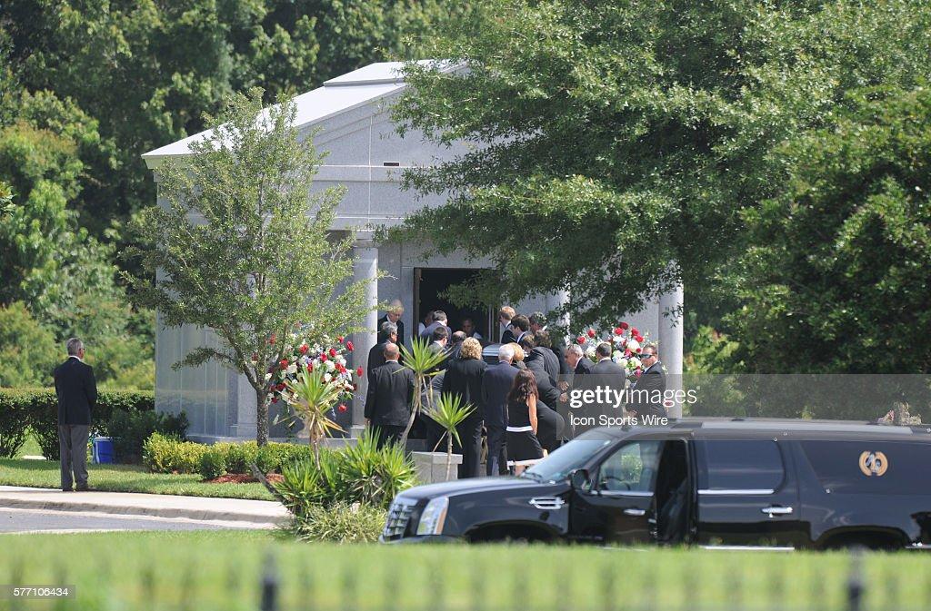 Elegant Funeral For George Steinbrenner At Trinity Memorial Gardens Family Arrives  At The Funeral Home / Resting