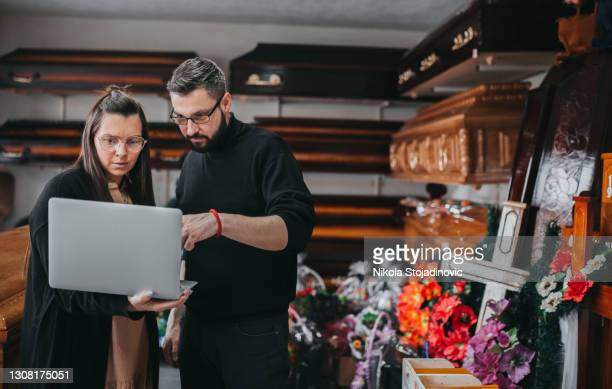 a funeral home workers - funeral stock pictures, royalty-free photos & images