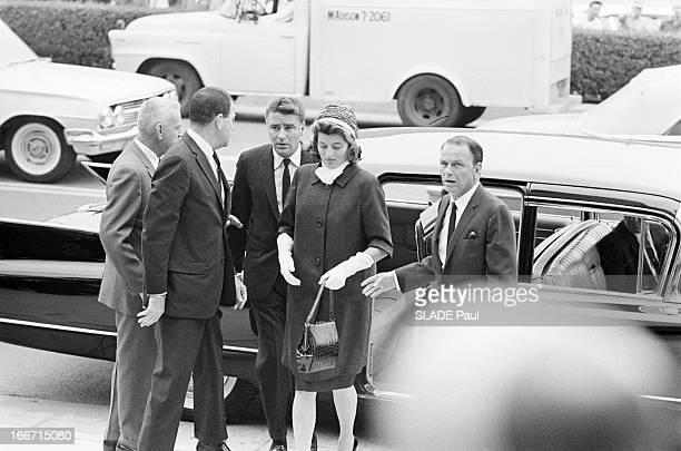 Funeral Of American Actor Gary Cooper En mai 1961 aux Etats unis à Los Angeles lors des funérailles de l'acteur américain Gary COOPER l'acteur Peter...