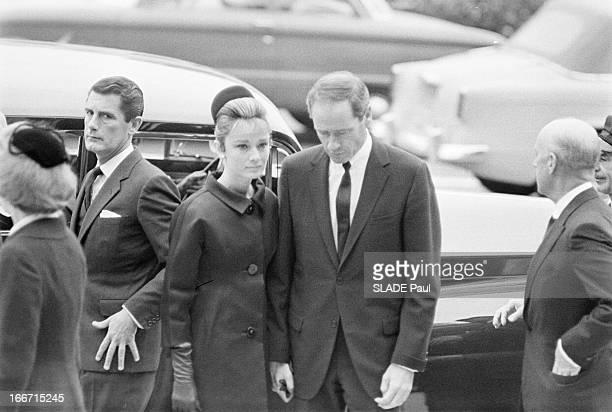 Funeral Of American Actor Gary Cooper En mai 1961 aux Etats unis à Los Angeles lors des funérailles de l'acteur américain Gary COOPER à l'église du...