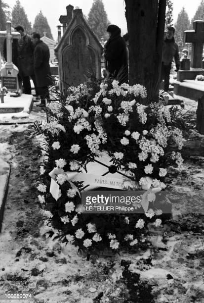 Funeral Of Denis Kopa, Son Of Soccer Player Raymond Kopa. En France, le 20 fevrier 1963, au cimetière, une couronne de fleurs déposée par...