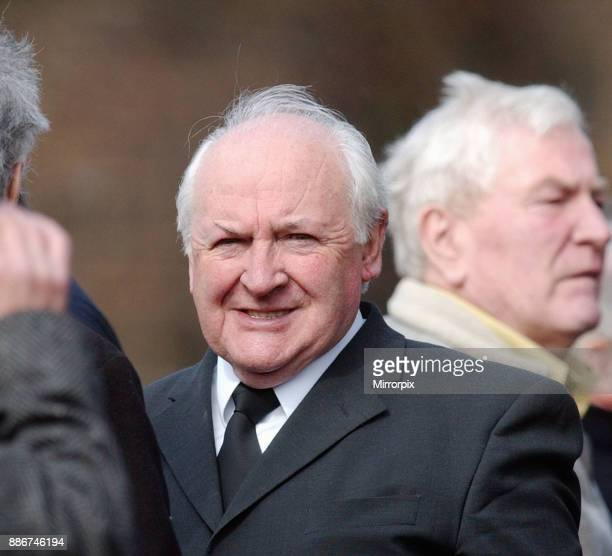 Funeral of former celtic player Billy McPhail at St Ninians Church Glasgow Scotland Wednesday 9th April 2003 Billy McPhail played for Celtic Clyde...