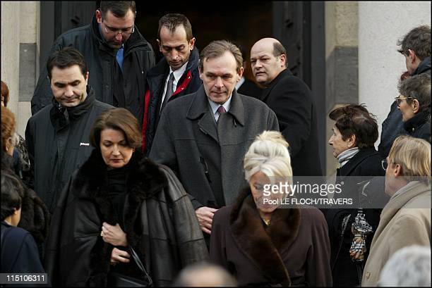 Funeral of Francoise Giroud at the crematorium of the 'Pere Lachaise' cemetery in Paris, France on January 22, 2003 - Anne Marie Raffarin and Jean...