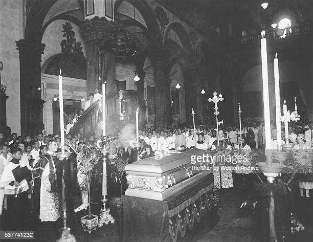 Funeral of great world flyweight champion Pancho Villa who died from an infected tooth Manila Philippines August 22 1925