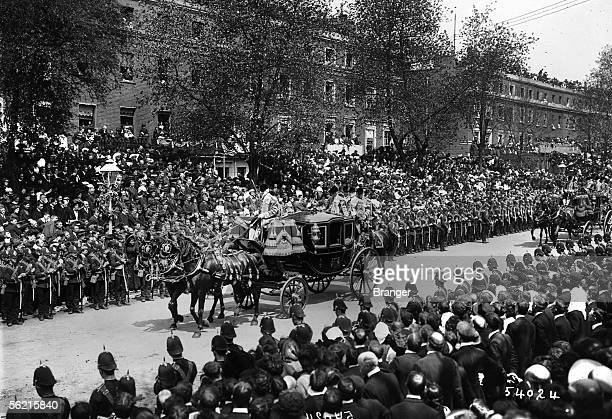 Funeral of king Edward VII in London on May 1910 The state coach of queen Alexandra