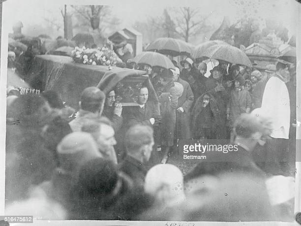 Funeral of Lily Langtry The Jersey Lily The funeral of lady de Bathe Lily Langtry the Jersey Lily took place at St Daviur's Church Jersey as she was...