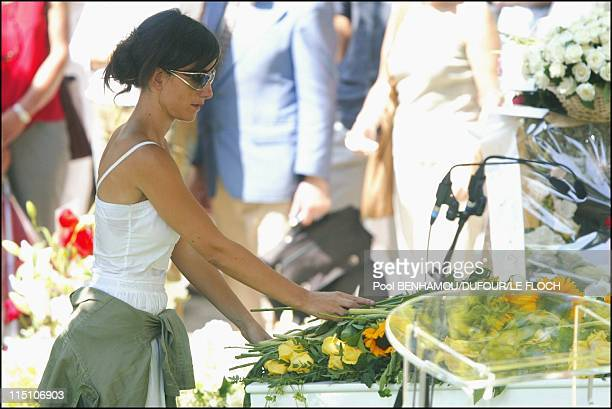 Funeral of Marie Trintignant at 'Pere Lachaise' in Paris France on August 06 2003 Romane Bohringer