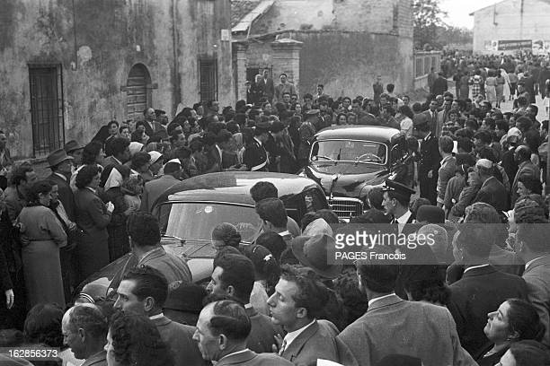 Funeral Of Marquis Portago And The Victims Of His Accident At The Thousand Miles Race Guidizzolo Italie 14 mai 1957 obsèques du marquis Alfonso DE...