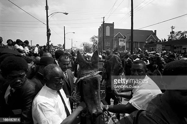Funeral Of Martin Luther King In Atlanta April 1968. 10 Avril 1968, Atlanta Etats-Unis : Les obs?ques de Martin Luther KING, pasteur, prix Nobel de...